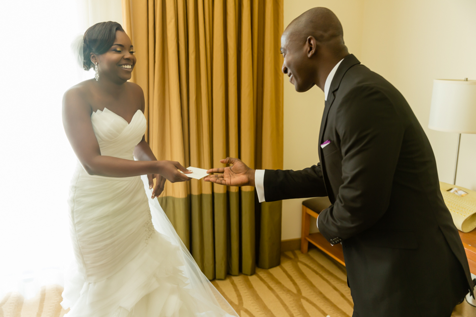 Bride receiving grooms note wedding