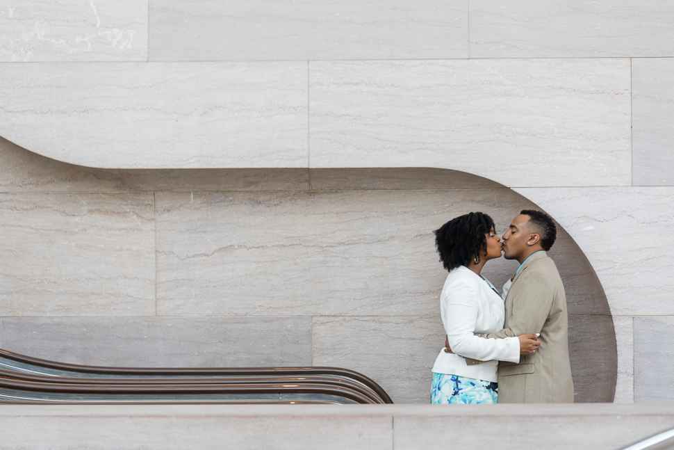 engagement session kissy kissy